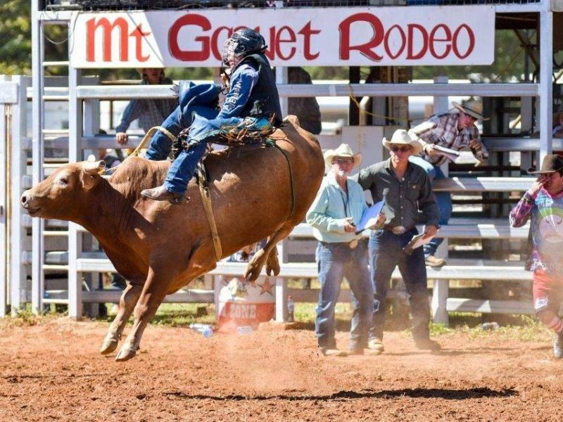 Mt-Garnet-Races-and-Rodeo